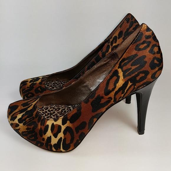 Moda Spana Shoes   Nadine Leopard Print Pumps 7 12   Poshmark 40cb433f360